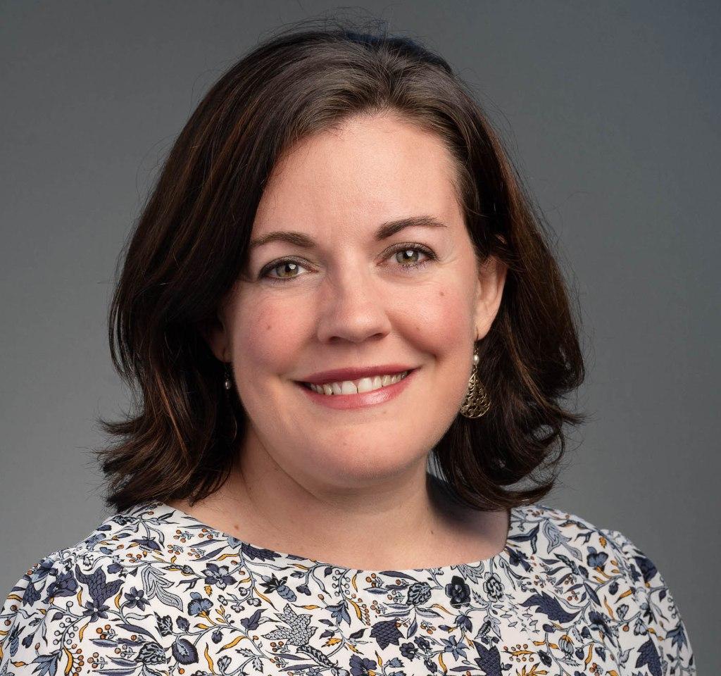 Dr. Esther Benoit